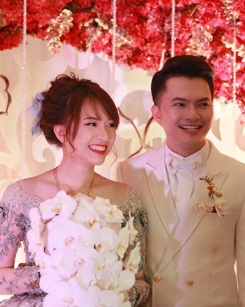 Ngày 14/3/2016, hôn lễ bí mật của nam ca sĩ Nam Cường diễn ra tại thành phố Hồ Chí Minh trong sự chúc mừng của người thân, bạn bè và gia đình.