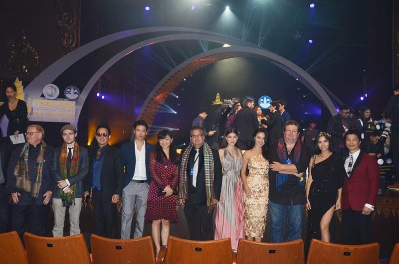 Tại Festival film Thai Land 2016, bộ phim mà Dustin Nguyễn (ngoài cùng bên phải) thủ vai chính - The Man with the Iron Fists 2 (của Universal - Mỹ) được trình chiếu tại màn ảnh rộng.