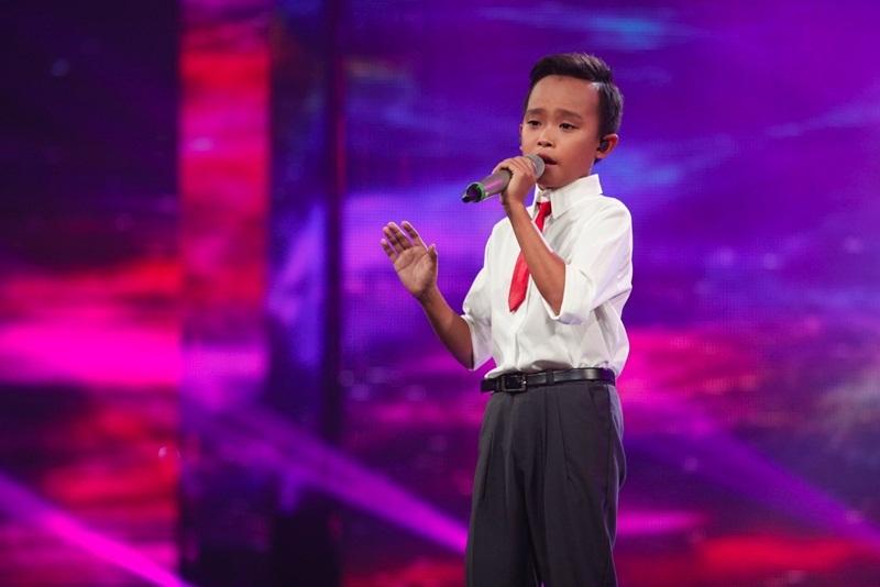 Hồ Văn Cường đã xuất sắc giành ngôi Quán quân Thần tượng âm nhạc nhí Việt Nam mùa đầu tiên.