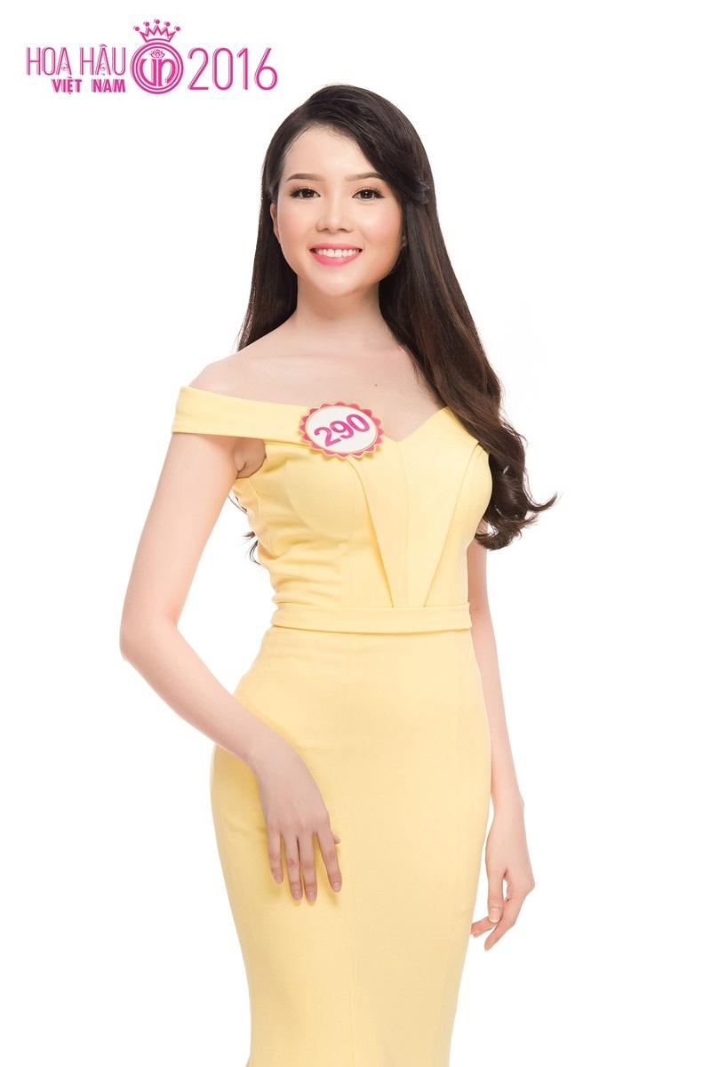Thúy Vi sinh năm 1993 và tốt nghiệp chuyên ngành Tài chính Ngân hàng. Năm 2014, cô xuất sắc đăng quanh danh hiệu Hoa khôi Sinh viên TP Cần Thơ 2014.