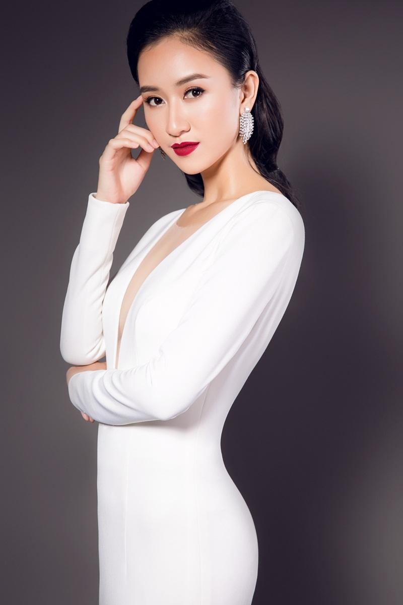 Từng lọt Top 17 Hoa hậu Liên Lục Địa (Miss Intercontinental) năm ngoái, Hà Thu vừa chính thức giữ thêm trọng trách mới ở mùa thi năm nay khi trở thành Giám đốc quốc gia (National Director) và bắt đầu hành trình tìm kiếm đại diện Việt Nam tham gia cuộc thi này.