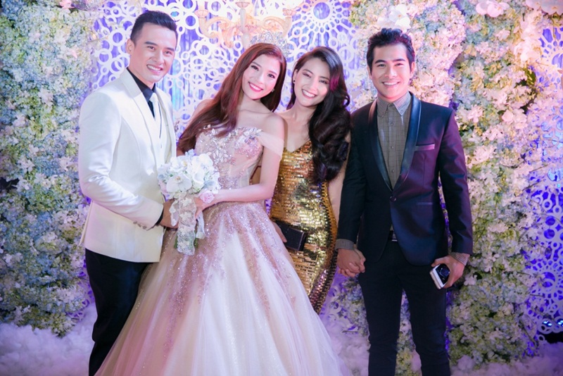 Trong tiệc cưới, cặp đôi nhan sắc Ngọc Lan và Thanh Bình cũng được bàn bè hối thúc tiến hành lễ cưới, hỏi Ngọc Lan khi nào, cô chỉ im lặng mỉm cười nhìn qua Thanh Bình bằng một cái nhìn trìu mến và hạnh phúc.