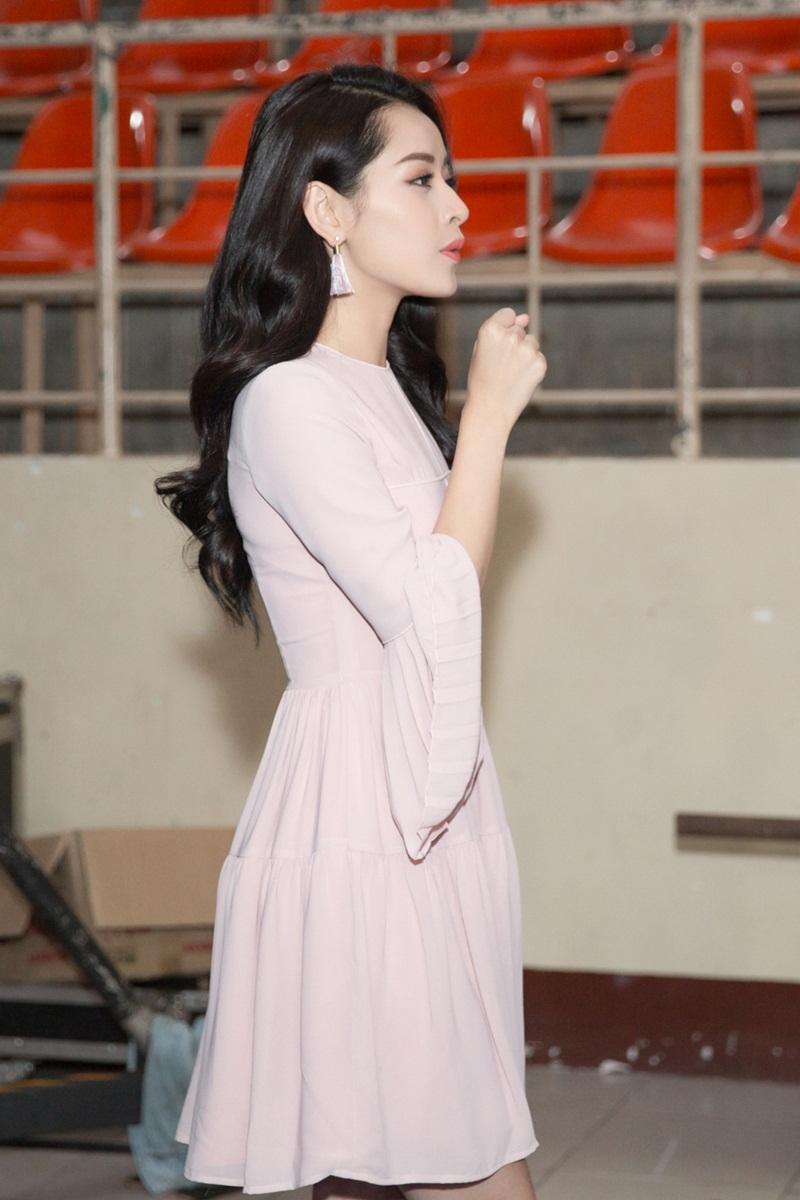 Chi Pu sinh năm 1993, trưởng thành từ cuộc thi Miss Teen 2009, hiện là một trong những nữ diễn viên trẻ sáng giá của điện ảnh Việt.