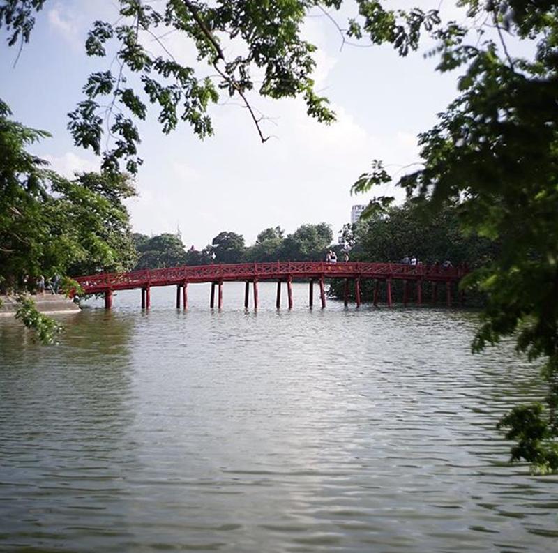 Hình ảnh Bờ Hồ thân thuộc, bình dị