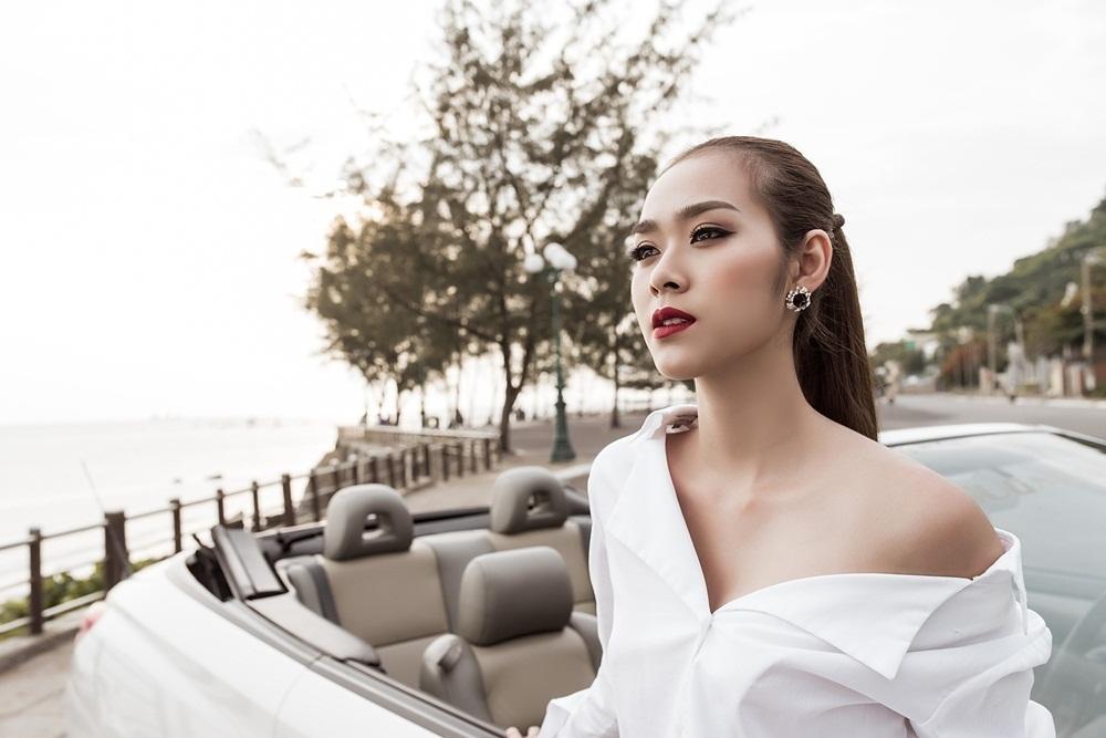 Chia sẻ về dự định tuổi mới, Diệp Bảo Ngọc tiết lộ mình vừa đặt bút ký hợp đồng cho một dự án điện ảnh lớn do cô thủ vai chính và khởi quay vào đầu tháng 8.