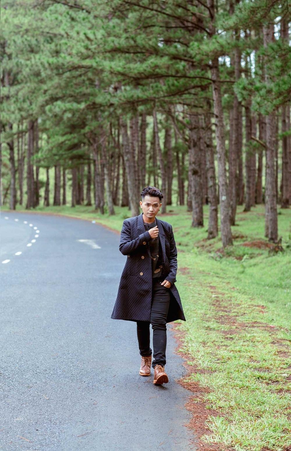 Tại rừng thông Đà Lạt.