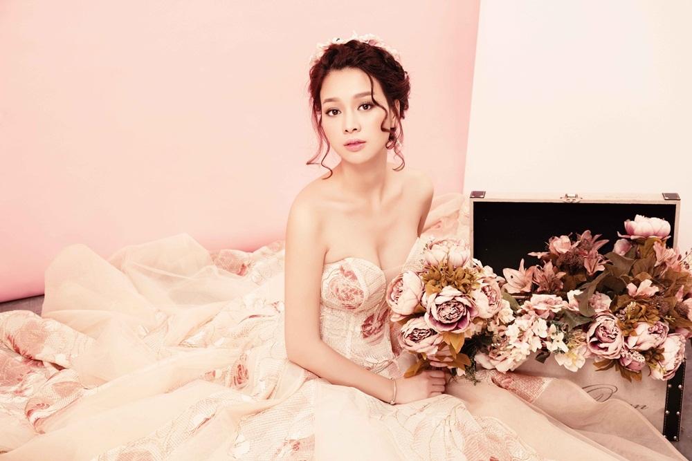 Hoa khôi Trương Tùng Lan hóa cô dâu mong manh - 1