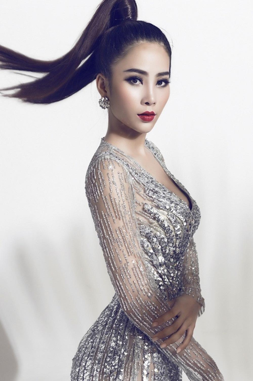 """Sau thời gian dài """"úp mở"""", đơn vị nắm bản quyền đã chính thức thông báo Hoa khôi đồng bằng sông Cửu Long 2015 là đề cử duy nhất để đại diện Việt Nam tham gia Miss Earth 2016 tại Philippines vào tháng 10 năm nay."""