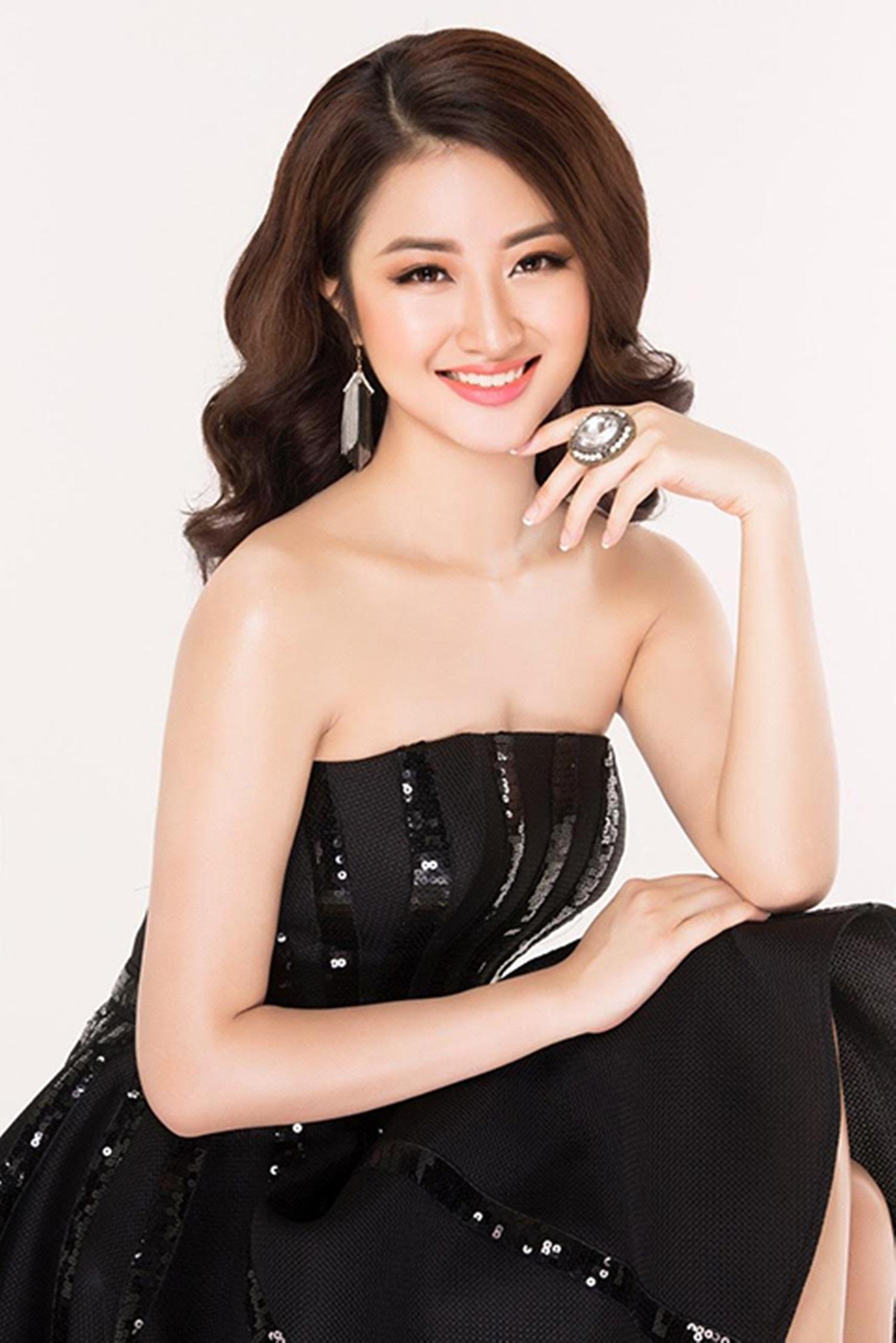 Hoa hậu Bản sắc Việt toàn cầu 2016 - người đẹp Trần Thị Thu Ngân sinh năm 1996 là sinh viên ngành Quản trị khách sạn tại Thụy Sĩ.