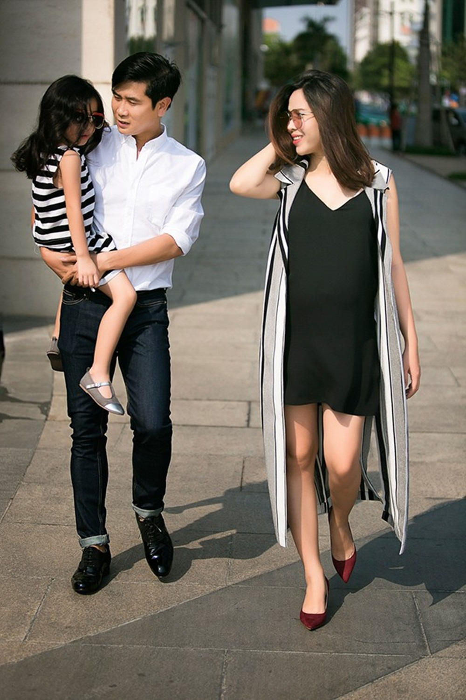 Thời gian mang bầu mé Misu, Lưu Hương Giang vẫn chọn trang phục thanh lịch.