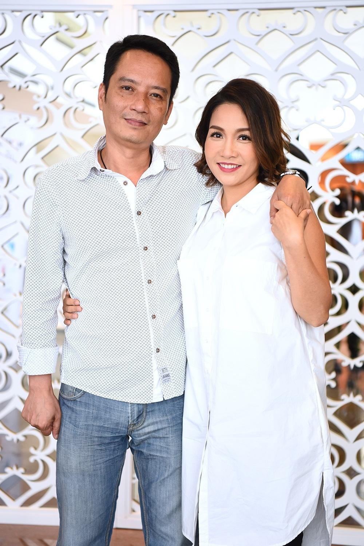 Hai vợ chồng ca sĩ - nhạc sĩ Mỹ Linh, Anh Quân đến tham dự buổi họp báo. Ca sĩ Mỹ Linh là nghệ sĩ trình diễn trong Lễ hội năm nay.