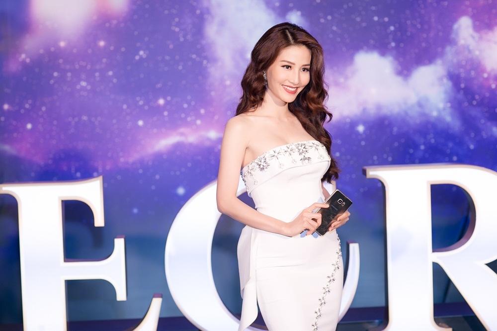 """Sau khi làm """"bạn gái"""" của Bình Minh, trong phim mới lần này, nữ diễn viên vào vai vợ của """"soái ca"""" Hứa Vĩ Văn, người chồng nghèo bán sữa đậu nành."""