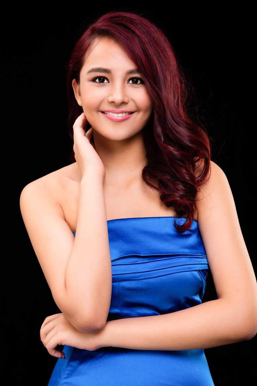 Cô thứ hai là Nguyễn Diệu Ly, hoặc Nikita Dane, sinh 1998.