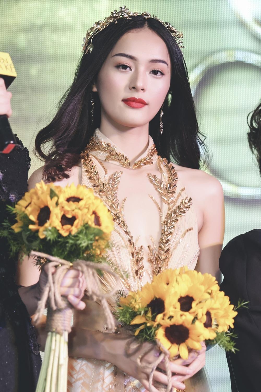 Trong phim, nữ diễn viên Hạ Vi đảm nhiệm vai Tấm. Vai Tấm là bộ phim điện ảnh đầu tay mà Hạ Vi tham gia, cô cảm giác rất hồi hộp và đang mong chờ những ý kiến đóng góp của khán giả.