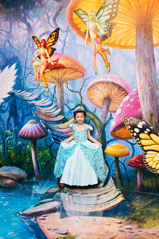 Bộ trang phục công chúa và chủ đề thần tiên trong bộ ảnh này do chính Ngọc Diễm chọn cho con gái.