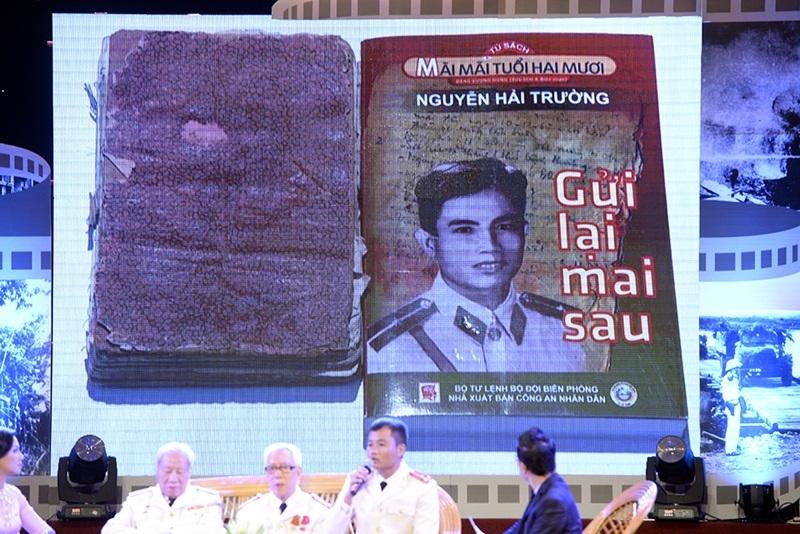 """Cuốn nhật kí đặc biệt của liệt sĩ Nguyễn Minh Sơn được in lại thành sách mang tên """"Gửi lại mai sau""""."""