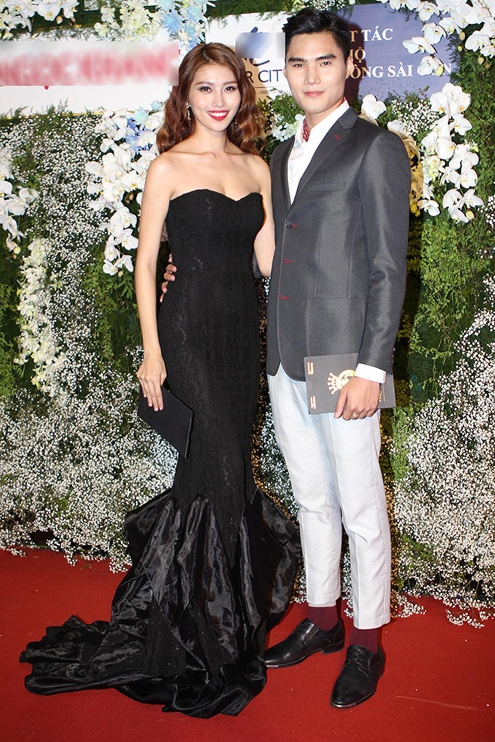 Cặp đôi top 5 Hoa khôi Áo dài Chế Nguyễn Quỳnh Châu và bạn trai Quang Huỳnh - Quán quân Vietnam Next Top Model xuất hiện trên thảm đỏ.
