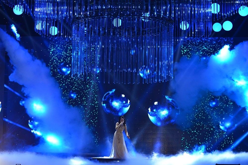 Sắc màu âm nhạc của đêm Chung kết Hoa hậu Việt Nam 2016 - 6