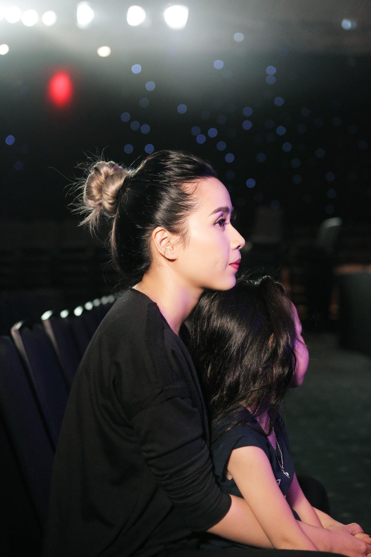 Sự đồng hành của cô công chúa nhỏ này như tiếp thêm một phần năng lượng cho nữ ca sĩ hết mình trong tập luyện. Hiện tại, với Lưu Hương Giang thì gia đình là điểm tựa vững chắc cũng như mang đến niềm cảm hứng cho cô với âm nhạc. Cô cũng có nhiều thay đổi khá tích cực trong quá trình lấy lại vóc dáng sau sinh.