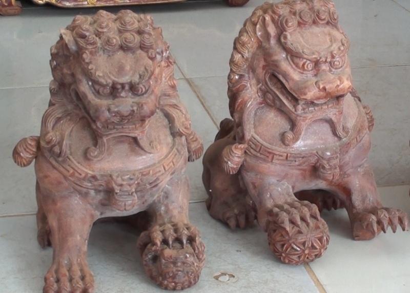 """""""Nghệ nhân"""" trẻ tuổi chuyên trạm khắc tượng Phật bằng gỗ - 5"""