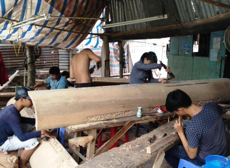 Ngoài kiểu dáng đẹp thì chính chất lượng gỗ của những sản phẩm cũng làm cho làng mộc Chợ Thủ vang danh khắp miền Tây. Nhờ đó đã tạo công ăn việc làm cho 2.500 lao động tại địa phương có thu nhập ổn định.