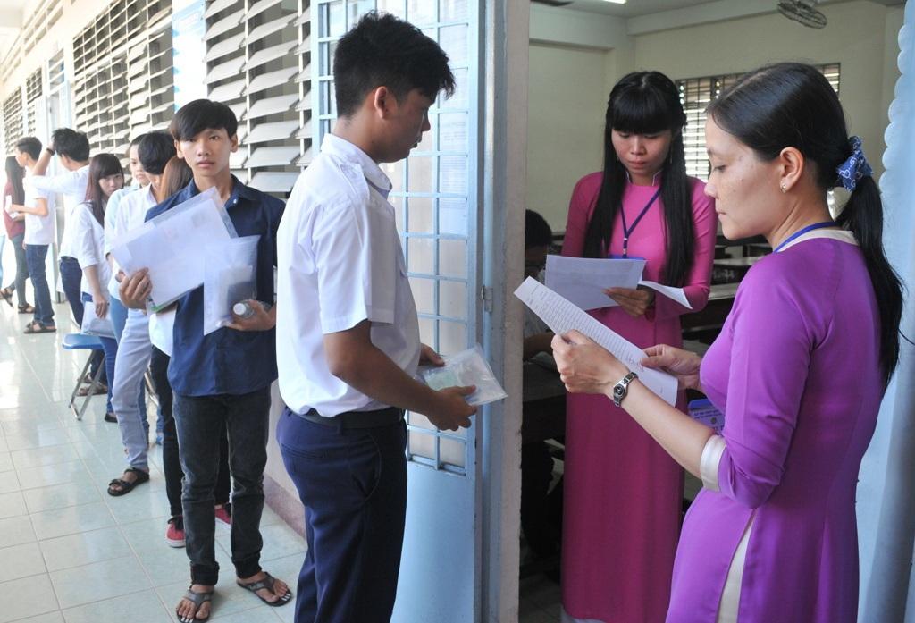 Các thí sinh trúng tuyển vào trường ĐH An Giang không phải lo chỗ ở vì năm học 2016 - 2017 Khu KTX trường có 5.000 chỗ ở.