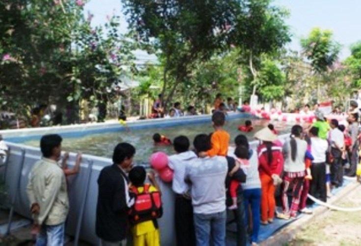 Nhiều địa phương ở Đồng Tháp kiến nghị nên đầu tư hồ bơi kiểu di động như thế này để giảm tốn kém và có thể di chuyển đến những địa phương đang có nhu cầu dạy bơi cho trẻ