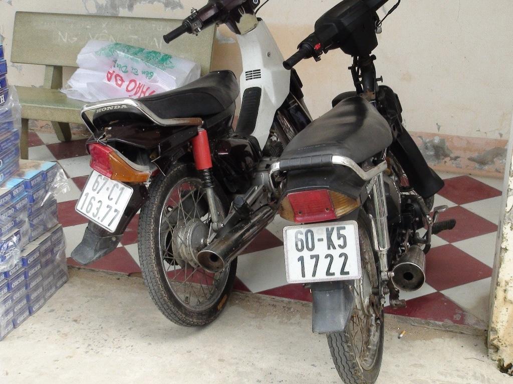 Cùng 2 xe mô tô