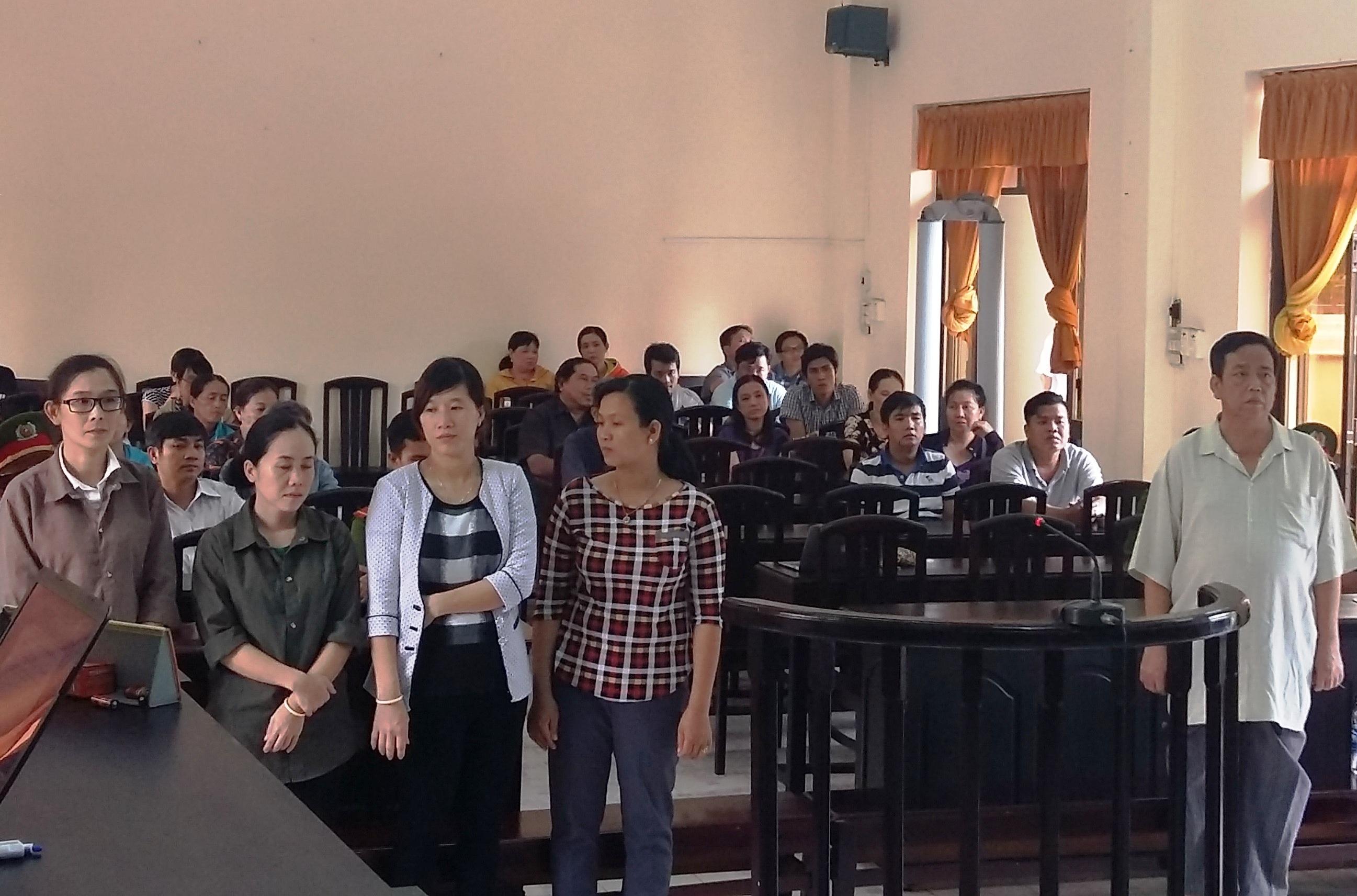 Bị cáo Nguyễn Văn Dũng và các đồng phạm