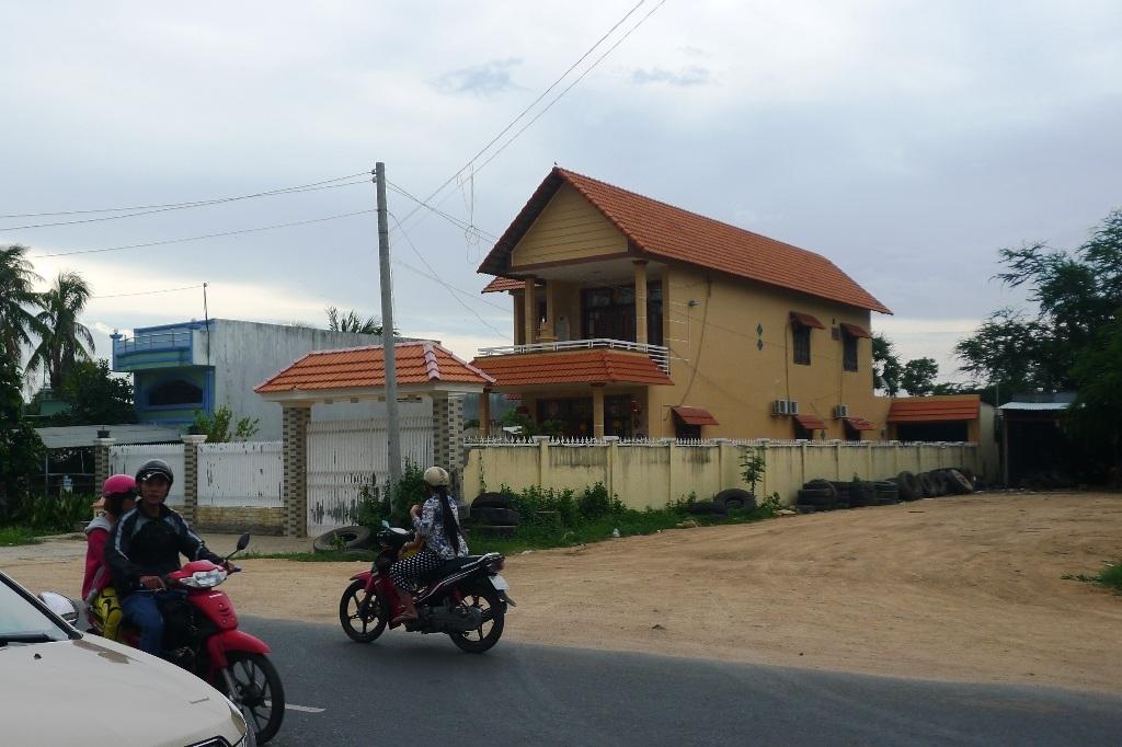 Vụ Trung tá Campuchia bắn chết người: Hiện trường loang lổ vết máu - 6
