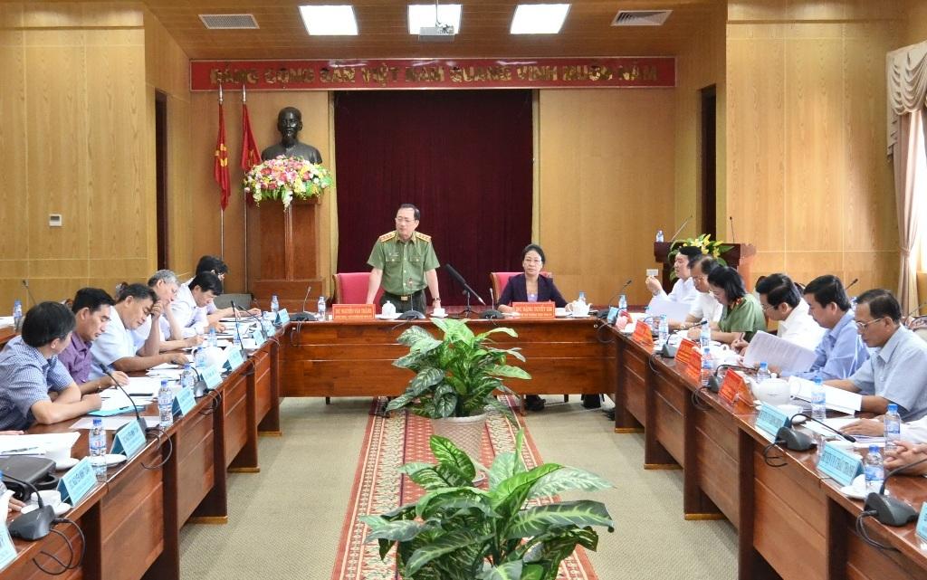 Ngày 29/7, Thượng tướng Nguyễn Văn Thành - Ủy viên Trung ương Đảng, Thứ trưởng Bộ Công an làm trưởng đoàn đến khảo sát, làm việc tại tỉnh Kiên Giang.