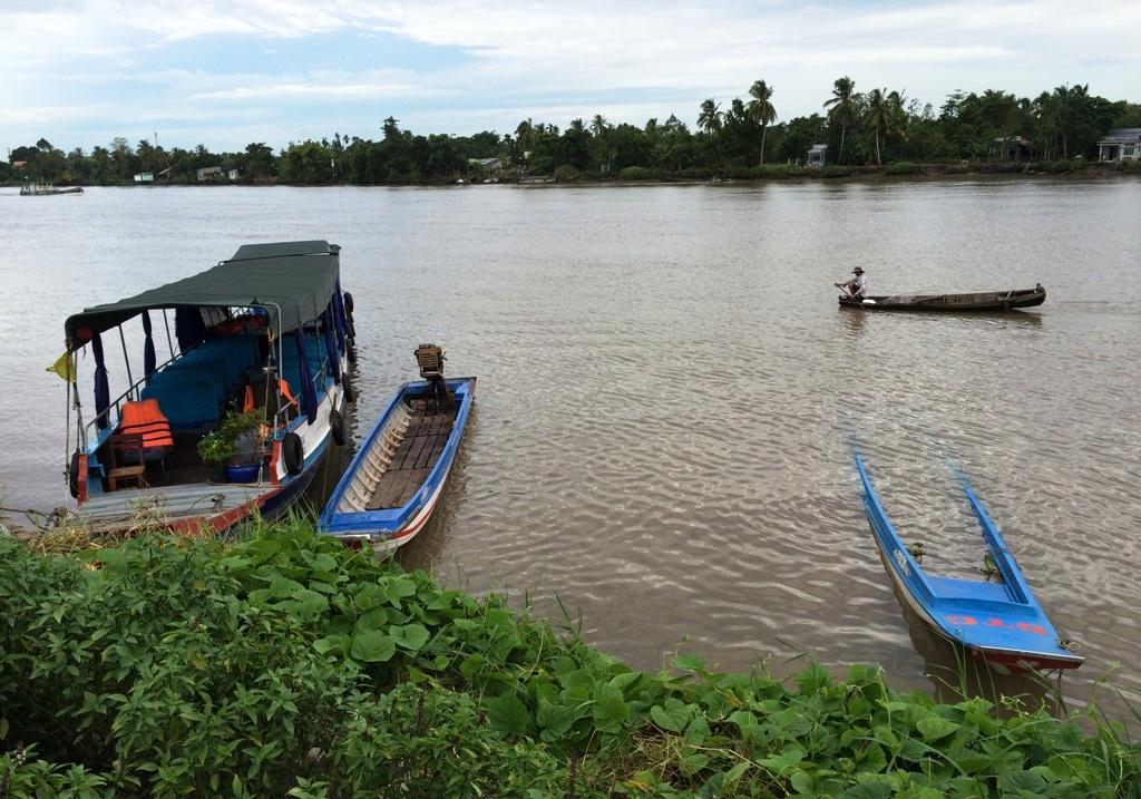 Chiếc tàu chở khách và chiếc vỏ lãi của chị Trần Kim Nhị