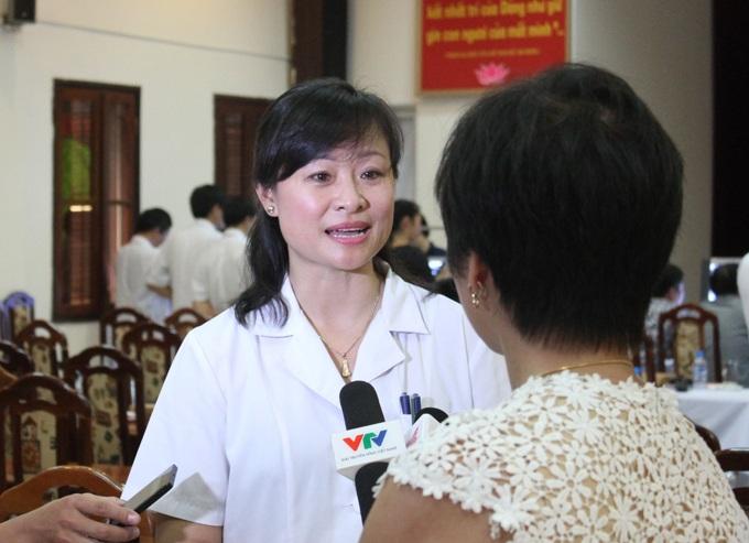 TS.Lê Thị Hằng - GĐ Bệnh viện Xây dựng khẳng định, việc quy hết các trường hợp ung thư trung biểu mô ở Việt Nam là do phơi nhiễm với amiang trắng là không khách quan.