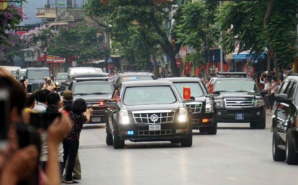 Tổng thống Mỹ đi tới đâu cũng nhận được sự chào đón nồng nhiệt của người dân Việt Nam (Ảnh: Hữu Nghị).
