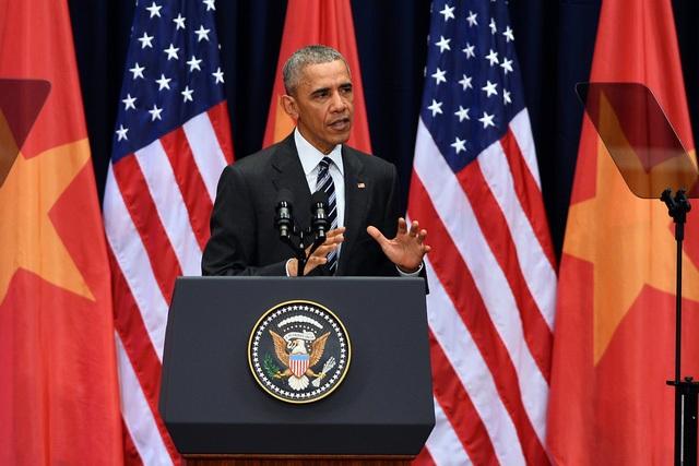 Bài phát biểu về tiến trình phát triển trong quan hệ Việt - Mỹ của ông Obama được viện dẫn bằng cả thơ thần của Lý Thường Kiệt, Truyện Kiều của Nguyễn Du, nhạc Văn Cao, Trịnh Công Sơn (Ảnh: Quý Đoàn).