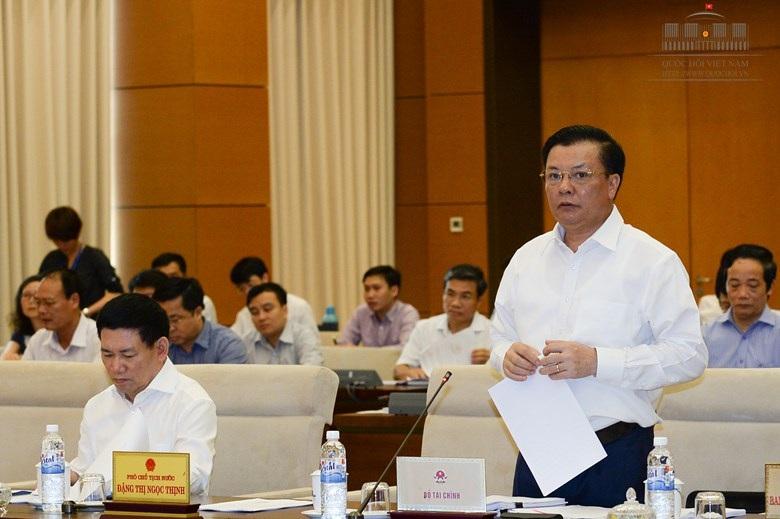 Bộ trưởng Tài chính Đinh Tiến Dũng khẳng định nợ công vẫn trong giới hạn (ảnh: Quochoi.vn).