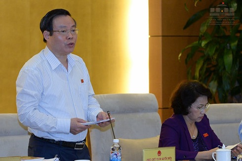 Phó Chủ tịch Quốc hội Phùng Quốc Hiển yêu cầu giữ nguyên số bội chi theo dự toán Quốc hội đã cho phép là 224.000 tỷ đồng.