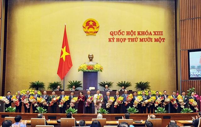 Các thành viên mới của Chính phủ ra mắt sau khi được Quốc hội phê chuẩn tháng 4 vừa qua.