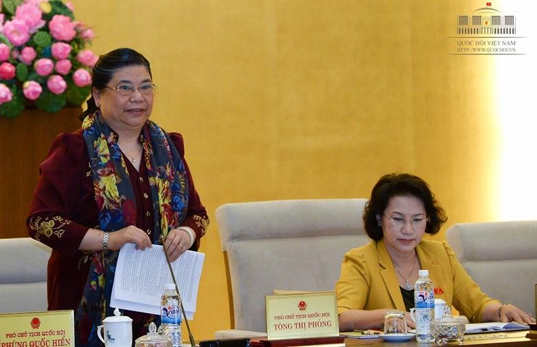 Phó Chủ tịch Quốc hội Tòng Thị Phóng tại phiên họp Thường vụ Quốc hội.