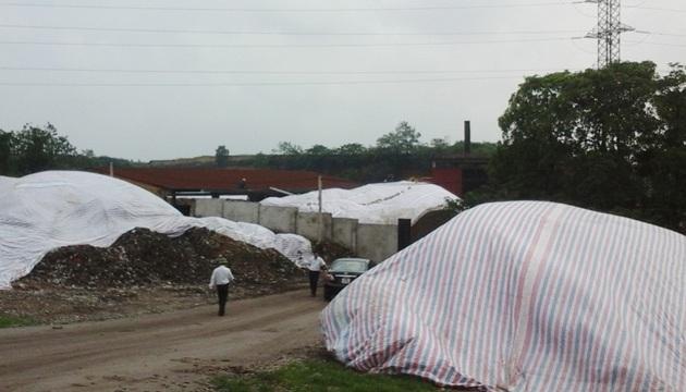 Người dân địa phương thời gian qua liên tiếp phải kêu... lên trên vì cuộc sống khốn khổ bên cạnh nhà máy chế biến rác thải Việt Trì.