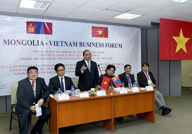 Thủ tướng Nguyễn Xuân Phúc phát biểu tại diễn đàn Doanh nghiệp Việt Nam - Mông Cổ.