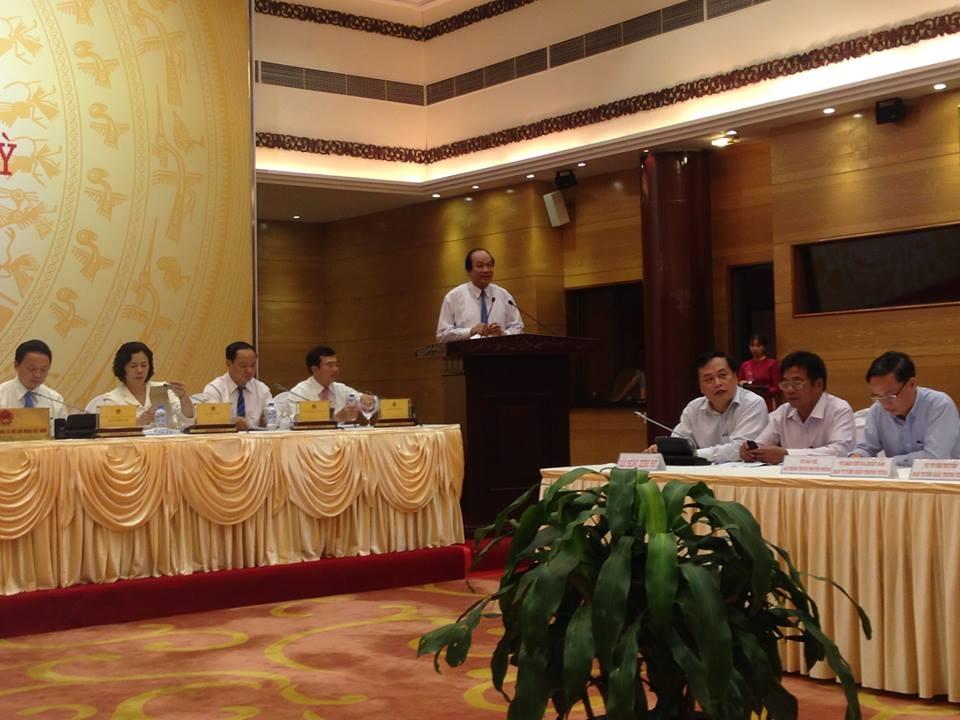 Bộ trưởng - Chủ nhiệm Văn phòng Chính phủ Mai Tiến Dũng chủ trì cuộc họp báo.