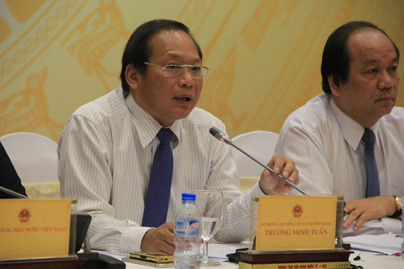 Bộ trưởng TT-TT Trương Minh Tuấn kêu gọi tránh những khiêu khích không cần thiết, tấn công trả đũa đối với các nhóm hacker nước ngoài.