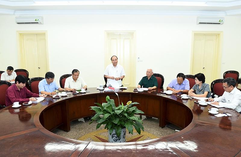 Thủ tướng làm việc với ban lãnh đạo Hội Cựu Thanh niên xung phong Việt Nam.