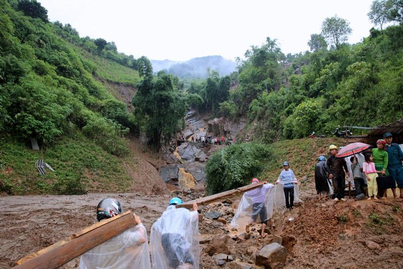 Phó Thủ tướng: Cần lập bản đồ chi tiết khu vực sạt lở đất, lũ quét - 4