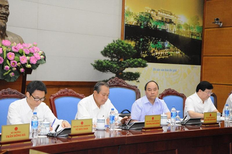 Thủ tướng cùng 3 Phó Thủ tướng dự họp, chỉ đạo về công tác bảo vệ môi trường.