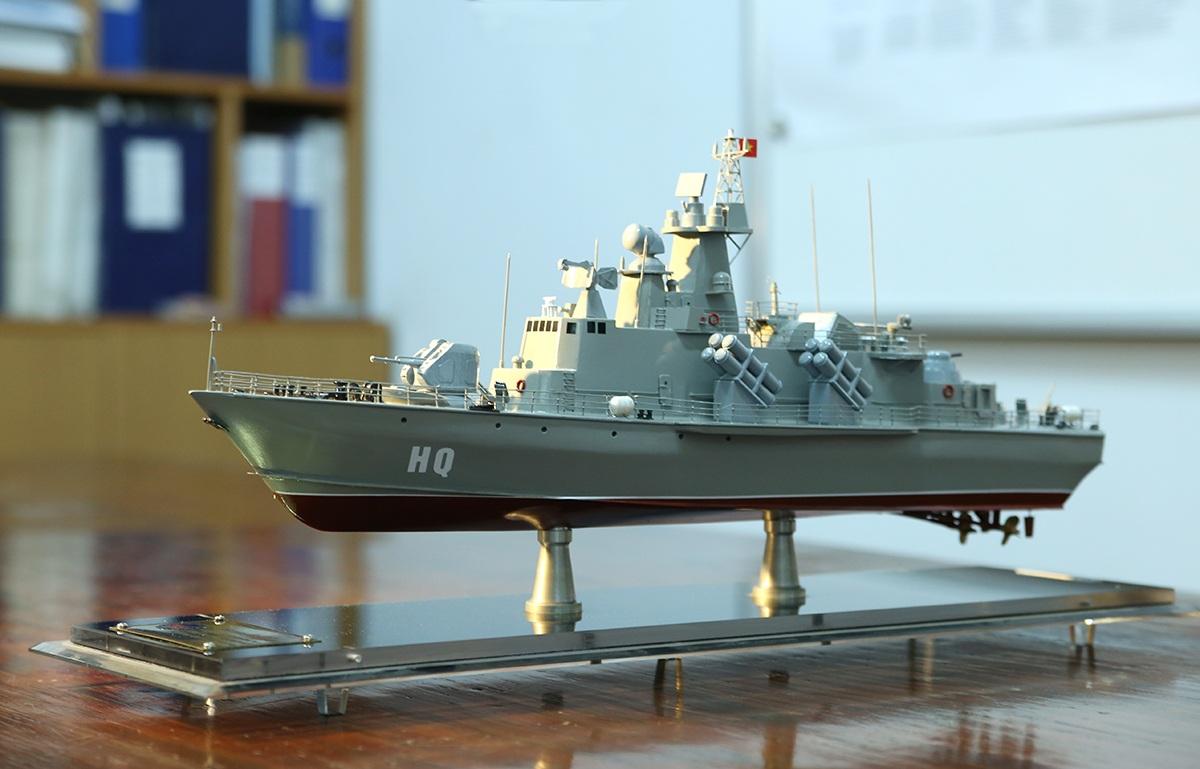 Mô hình thu nhỏ tàu M