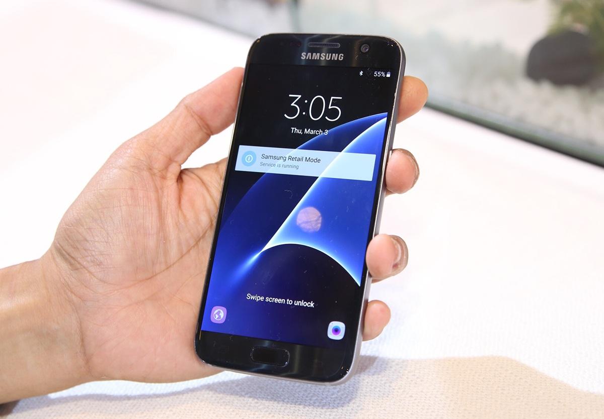Samsung Galaxy S7 có giá bán 15,99 triệu đồng, lên kệ từ 18/3.