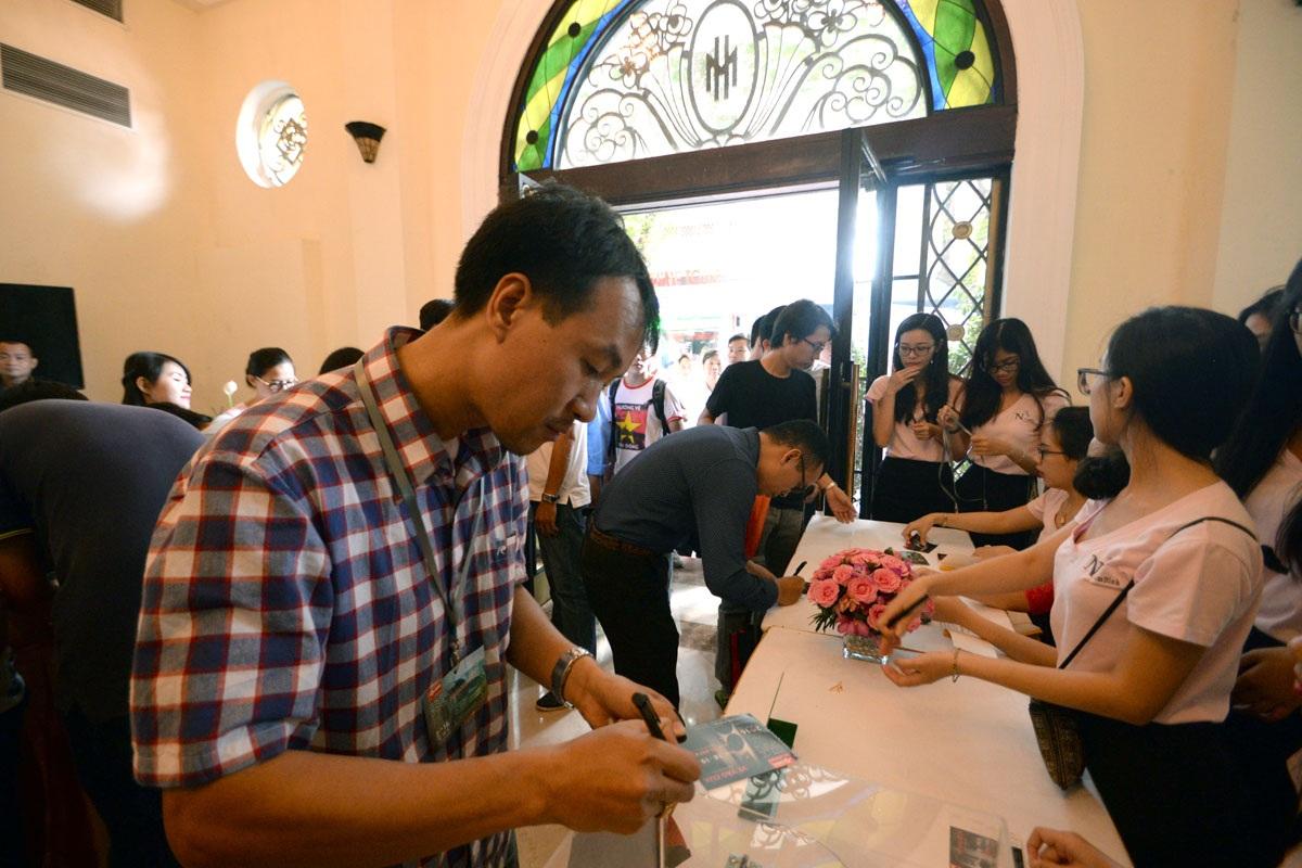 Săn đồ hi-end giảm giá tại Triển lãm thiết bị âm thanh Vietnam AV Show 2016 - 2