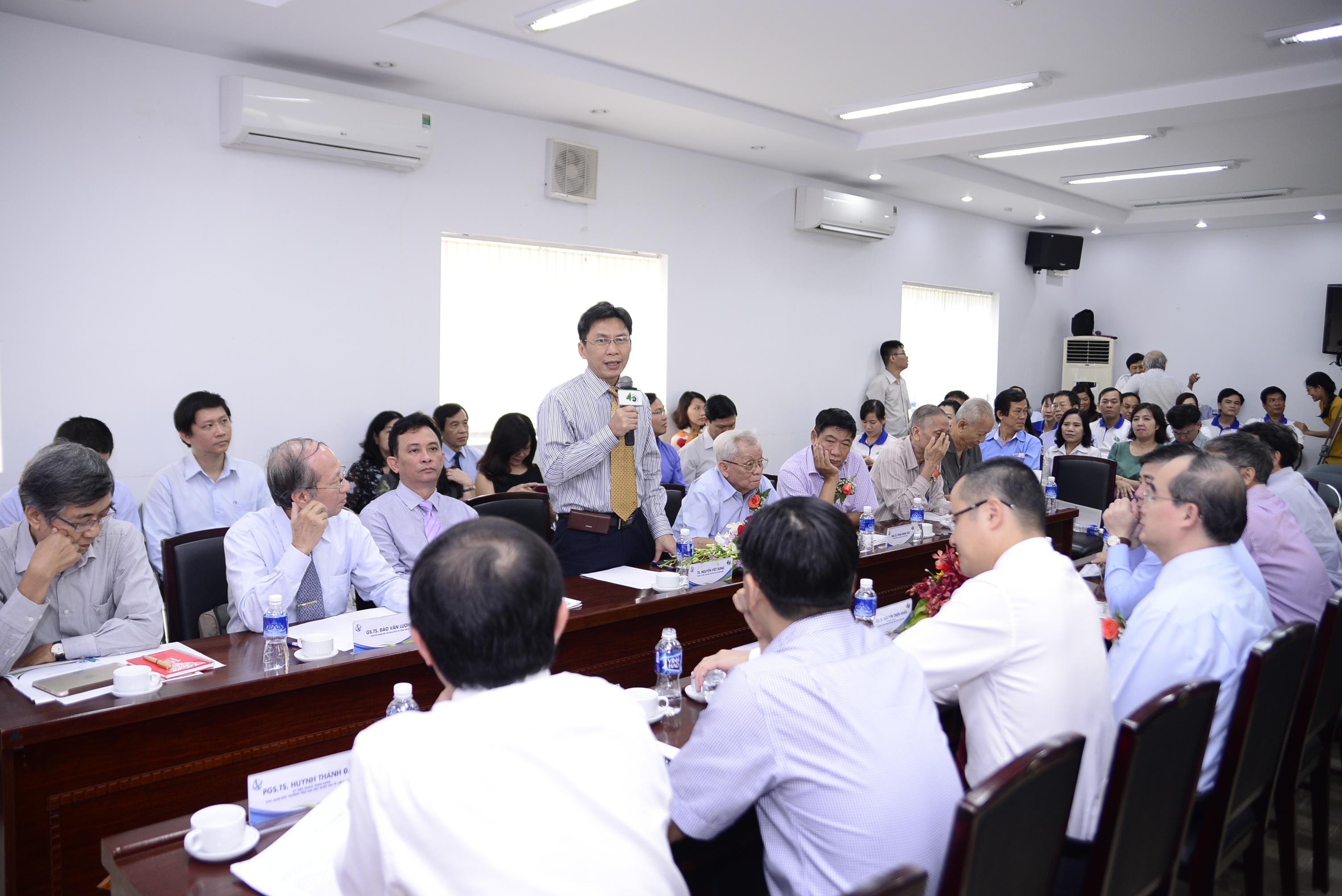 Ông Nguyễn Việt Dũng, Giám đốc Sở Khoa học & Công nghệ TP.HCM